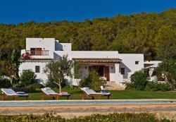 Five-Bedroom Villa in Santa Eulalia del Río with Pool, Unnamed Road 07814 Santa Eulària des Riu Illes Balears Spain, 7814, Santa Euralia des Riu