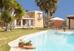 Four-Bedroom Villa in Sant Josep de Sa Talaia / San Jose with Terrace, Sant Josep de Sa Talaia 8km, 7830, San Jose de sa Talaia