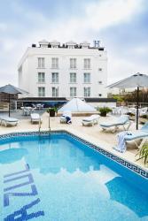 Hotel Mar Azul & Surf, Avenida Acacio Gutierrez, 98, 39340, Suances