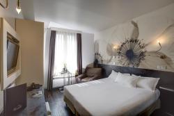 Hotel Vivaldi, 5 Rue Roque de Fillol, 92800, Puteaux