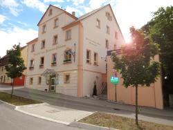 Hotel-Restaurant Zum Goldenen Hahnen, Grabenstraße 51, 71706, Markgröningen