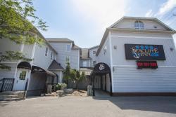 Seacliffe Inn, 388 Erie Street South, N8H 3E5, Leamington