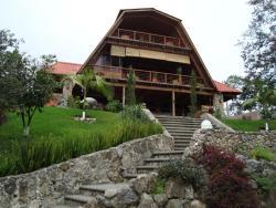 Hostel Guatefriends Coban, Km 205, carretera Coban-Guatemala, Aldea Chicuxab a 800 metros de la ruta, 16001, Cataltzul