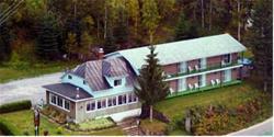 Auberge Au Pied De La Chute, 134 Chemin Lac Taureau, J0K 3B0, Saint-Michel-des-Saints