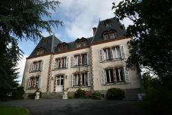 Le Chateau De Montmireil, 3 - 5, Rue Alphonse Lemerre, 50750, Canisy