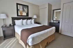 Hotel Le Versailles, 50 Rue Principale, J0R 1R6, Saint-Sauveur-des-Monts