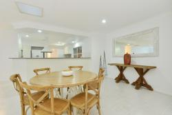 The Kewarra Beach House, 52 Kewarra Street, 4879, Kewarra Beach