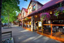 Bayshore Inn Resort and Spa, 111 Waterton Avenue PO Box 38, T0K 2M0, Waterton Park