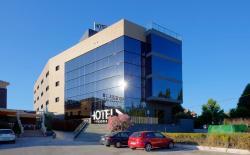 Hotel Las Terrazas & Suite, Autovia Sierra Nevada A44, km 118, 18220, Albolote