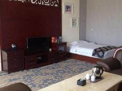 Xinbao Business Hotel, No.18 Wanshang Street, Qiaobei Wuliuyuan District, Hongshan District, 024000, Chifeng