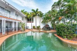ibis Styles Cairns, 15 Florence Street (Corner of Florence and Lake Streets), 4870, Cairns