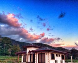 Casa Tinamou, 500 m este de la escuela,, San Buenaventura