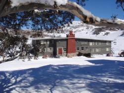 Swagman Chalet, 62 Porcupine Road, 2624, Perisher Valley