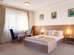 Hotel Knezevina, Bratstva i Jedinstva, 11427, Вранич