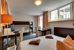 Hotel Kleine Radlerherberge, Kirchplatz, 3, 74219, Möckmühl