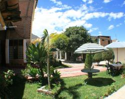 Hostal La Alameda, Av. Noe Bazan Peralta 262 Caraz,, Caraz