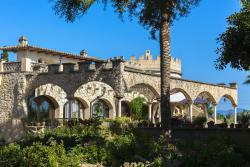 Castell Bohio, Av. Las Palmeras 1, 07609, Urbanicacion ses palmeres