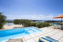 Holiday Home Villa de la Pointe, 117, Coastal Road,, Roches Noires
