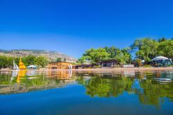 Barefoot Beach Resort, 4145 Skaha Lake Road, V2A 6J7, Penticton