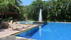 Hotel Coco Palms, Costado Sur  de la cancha de futbol , de Playas del Coco, 61101, Coco