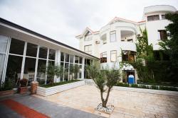 Villa Arber, Lagja Gezdaraj, 1002, Golem