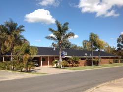 Sportsmans Motor Inn, 49 - 55 Golf Course Road, 3644, Баруга