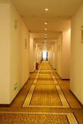 Foshan Jinyu Business Hotel, No.56 West Qifeng Road, Guanyao, Shishan Town, Nanhai District, 528000, Nanhai