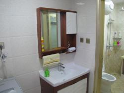 Xiangsheng Xinyuan Serviced Apartment, Xiangsheng Xinyuan Community, Xueyuan Street, Luannan County  , 063500, Luannan