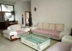 Cuizhu Qingqing Family Guesthouse, Beside Huyang Garden, Gurinai Road, 118400, Ejin
