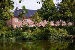 Historisches Hotel Pelli Hof, Materialhofstr. 1, 24768, Rendsburg