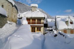Gite De Montagne Les Sureaux, Rue Tressens ( Derriere l'Eglise ), 65240, Vielle-Louron
