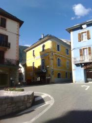 Hotel Central, 9 Rue Auguste Domenget, 73250, Saint-Pierre-d'Albigny