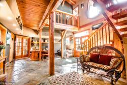 The Paintbox Lodge, 629 10th Street, T1W2A2, Canmore