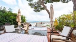 Stylish appartement on the board of the sea, 11 Avenue de la Liberte, 06360, Èze