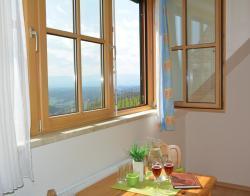Weingut Gästezimmer Kröll, Eichberg Nr.69, 8453, Sankt Johann im Saggautal