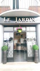 Hotel Le Jardin, 29 Place de la République, 62300, Lens
