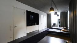 Hunters Lounge, Kelternplatz 1, 72555, Metzingen
