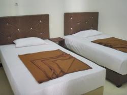 Dena Hotel, Jl. Hayam Wuruk Pasar Inpres Soe TTS Kupang, 85511, Soe