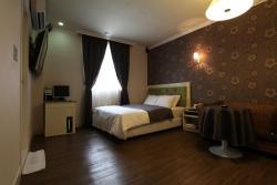 Hotel Jasmine, 147-15, Hakpyeong-Ri, Naesu-Eup,Cheongwon-gun, 363-934, Cheongju
