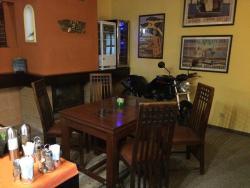 Restaurace-Penzion U Pilota, Na Hlavní silnici 171, 252 68, Kněževes