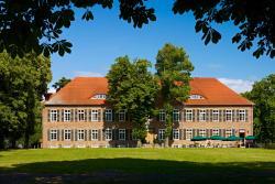 Romantik Hotel Gutshaus Ludorf, Rondell 7-8, 17207, Ludorf