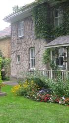 Richmond Manor Bed & Breakfast, 16 Blake Street, L4M 1J6, Barrie