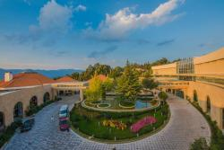 Spring City Golf and Lake Resort, Yiliang County, Tangchi Town, 652103, Yiliang