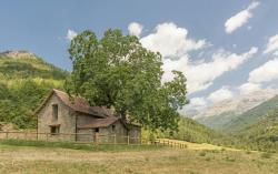 Cottages Borda Batista, Pista de Reclusa, 22720, Siresa