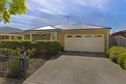 Gateway Villa, 1/4 Roslyn Rd Geelong, 3216, Geelong