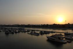 Yanjoon Holiday Homes - Palm Jumeirah Marina Residence, Marina Residence Palm Jumeirah,, ドバイ