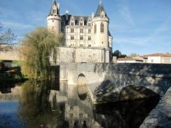 Auberivieres, 2,route de Limoges, 16110, La Rochefoucauld