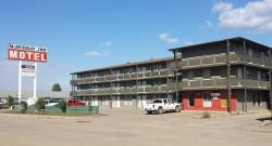 McMurray Inn, 9906 Saunderson Ave, T9H 1R9, Fort McMurray