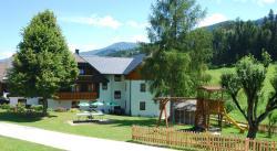Hotel-Pension Schwarzenhof, Niederberg 32, 8967, Haus