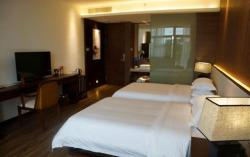 Baoting Tianyi Boutique Hotel, Beside the local police office, Nanhuan Road, Li and Miao Autonomous County, 572300, Baoting